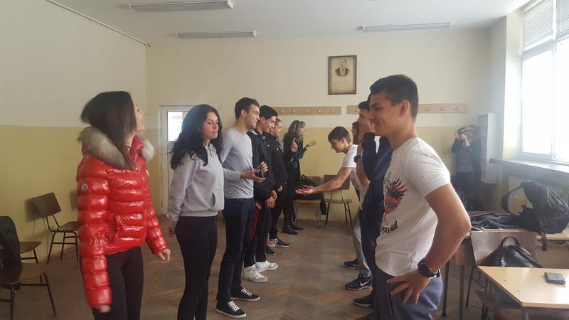 """Разрешаването на конфликти по мирен път дискутираха с медиатори ученици от ПГСАГ """"Кольо Фичето""""-Бургас"""
