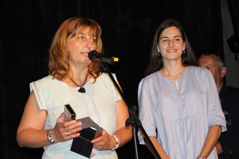 Две  стипендии по 500 лв. за ученици от Строителния