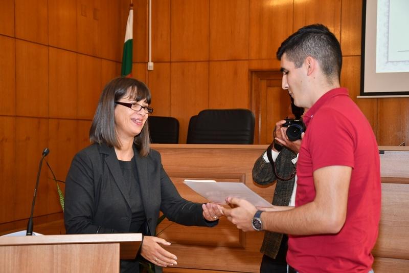 Ученици от ПГСАГ бяха наградени от Окръжен и Районен съд Бургас