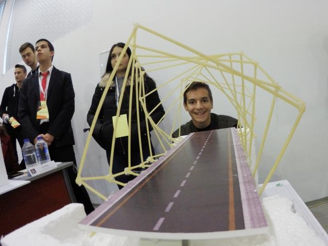 Ученици от ПГСАГ участваха в шестото международно състезание Spaghetti Engeneering